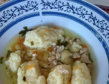 Супа са кнедлама